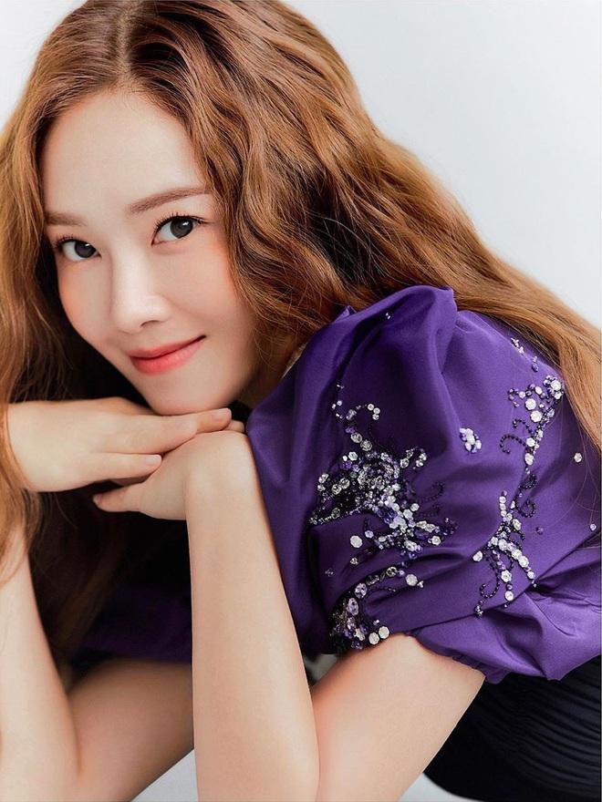 Jessica khen BTS và BLACKPINK nức nở trước thềm ra mắt tiểu thuyết gây tranh cãi, lý do liên quan đến sự bành trướng của Kpop? - Ảnh 7.