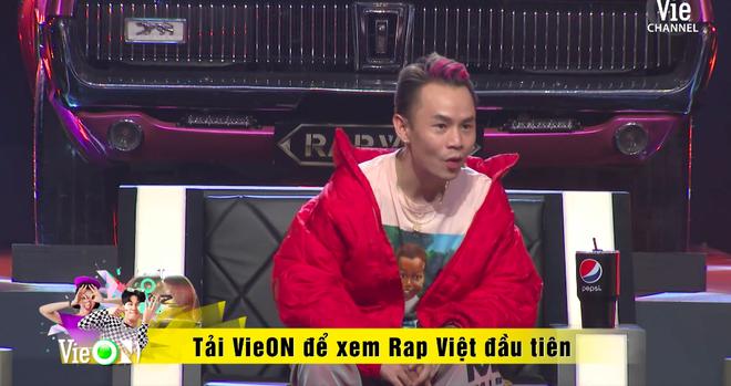 Tage và Tlinh chính thức chạm trán ở vòng đối đầu Rap Việt: Dàn HLV mê mệt nhưng 2 giám khảo lại mâu thuẫn - Ảnh 2.
