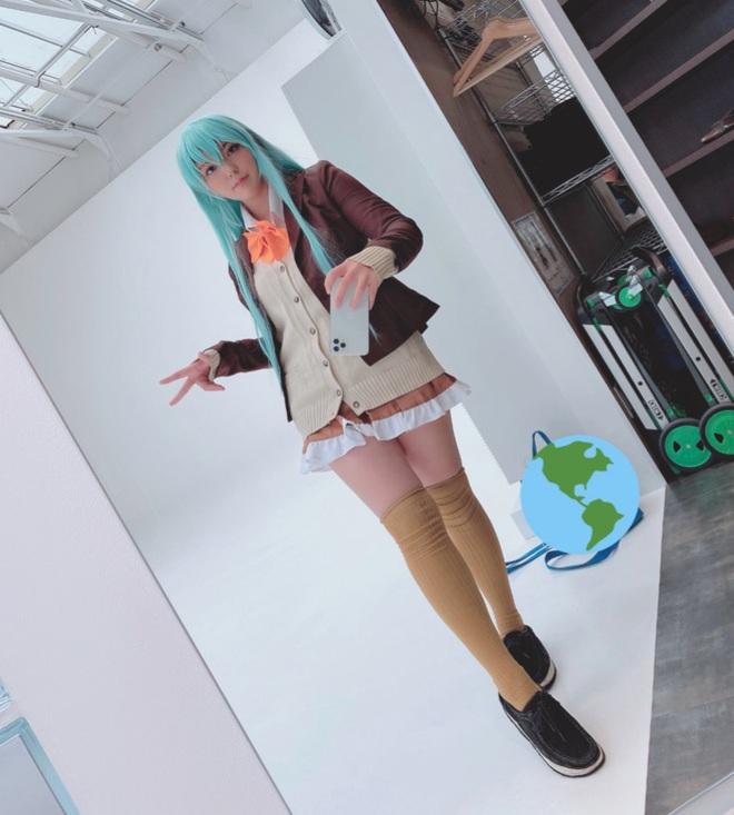 Học nữ cosplayer Nhật bí kíp selfie qua gương cực đỉnh, có lẽ bạn chưa bao giờ nghĩ tới - Ảnh 2.