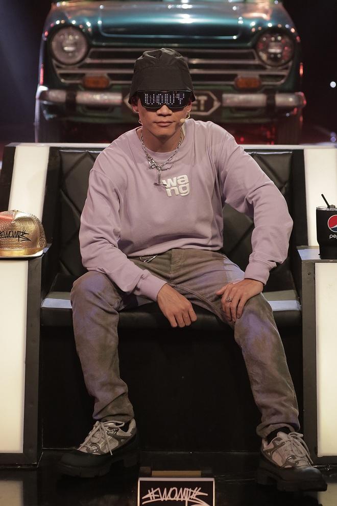 Sau 3 lần chụp ảnh đúng 1 dáng, Binz cuối cùng đã thay đổi trong tập 9 Rap Việt! - Ảnh 12.