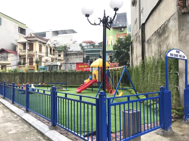 Nhà trường lên tiếng sau vụ bé gái 5 tuổi ngã gãy tay, nguy cơ bị liệt khi đang trong giờ học - Ảnh 5.