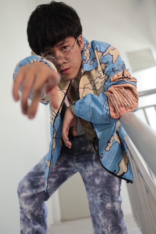 Suboi giản dị, nhí nhố trên sàn tập vòng Đối đầu cùng cả team Rap Việt - Ảnh 18.