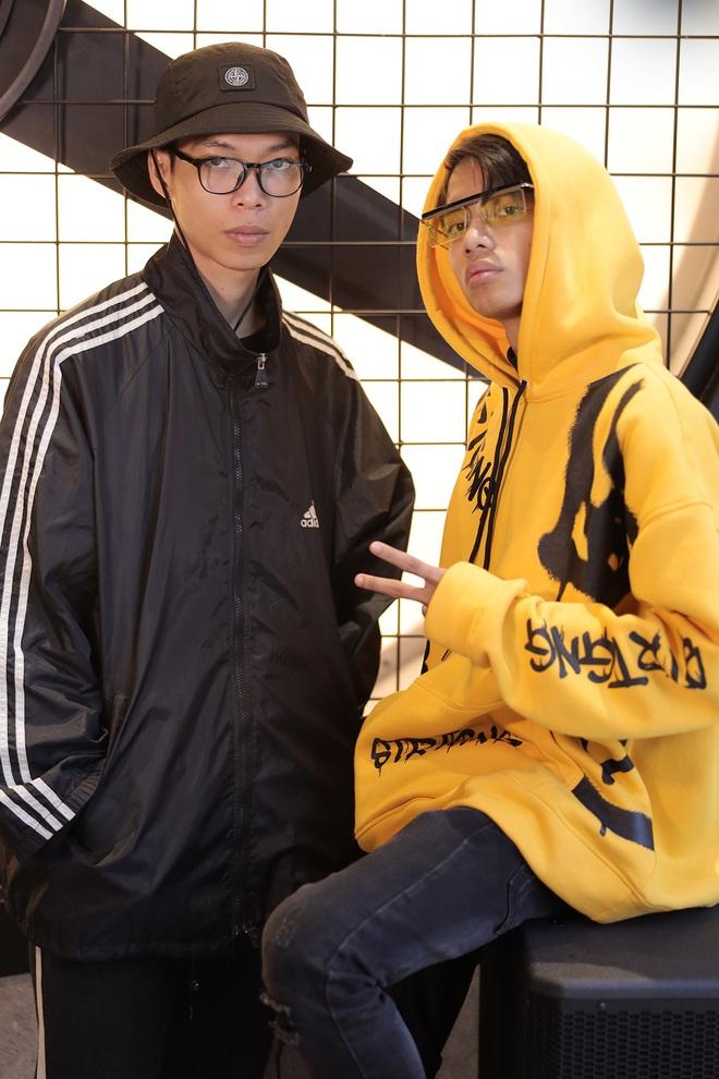 Suboi giản dị, nhí nhố trên sàn tập vòng Đối đầu cùng cả team Rap Việt - Ảnh 22.