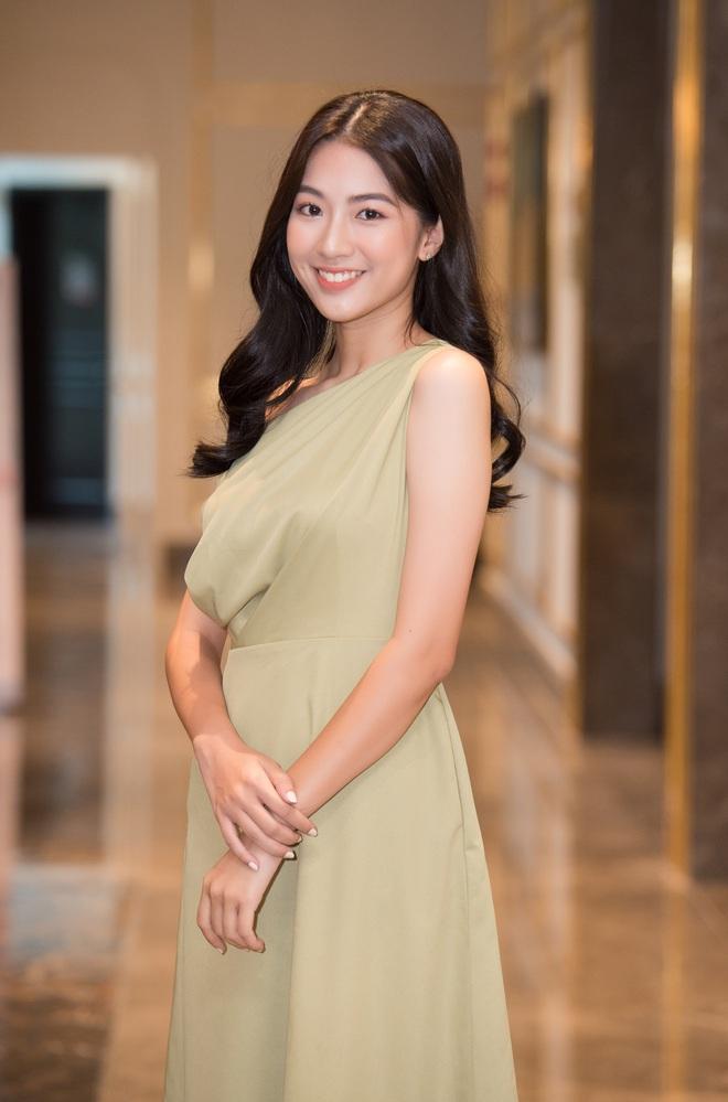 Dàn thí sinh đổ bộ sơ khảo miền Bắc Hoa hậu Việt Nam 2020: Bản sao Châu Bùi nổi bần bật, thí sinh diện váy bánh bèo gây chú ý - Ảnh 5.