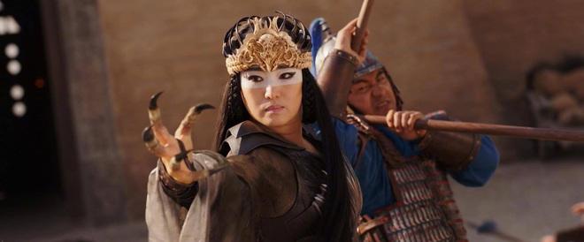 Phù thuỷ Mulan Củng Lợi: Tiểu tam phá nát gia đình Trương Nghệ Mưu, hôn nhân lỡ dở với tỷ phú thành chị đại phương Tây kính nể - Ảnh 2.
