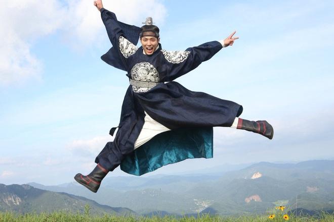 Nhất quỷ nhì ma, thứ ba là diễn viên ở hậu trường phim Hàn: Từ chúa diễn nhây đến thánh tấu hài đều tụ đủ - Ảnh 9.