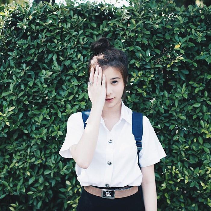 6 kiểu tóc xinh xắn các cô nàng chẳng bao giờ chán diện đến trường - Ảnh 1.
