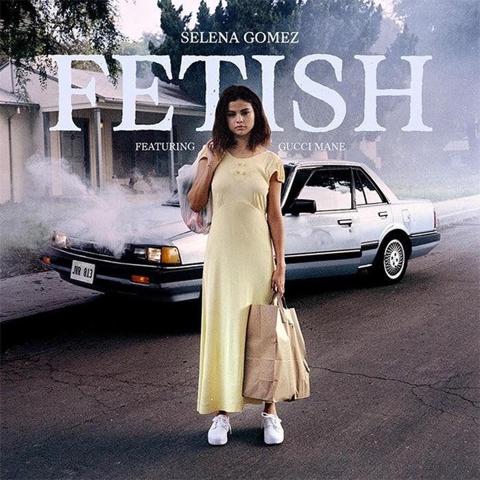 Selena Gomez khoe bờ môi bóng quyến rũ nhá hàng bài hát mới