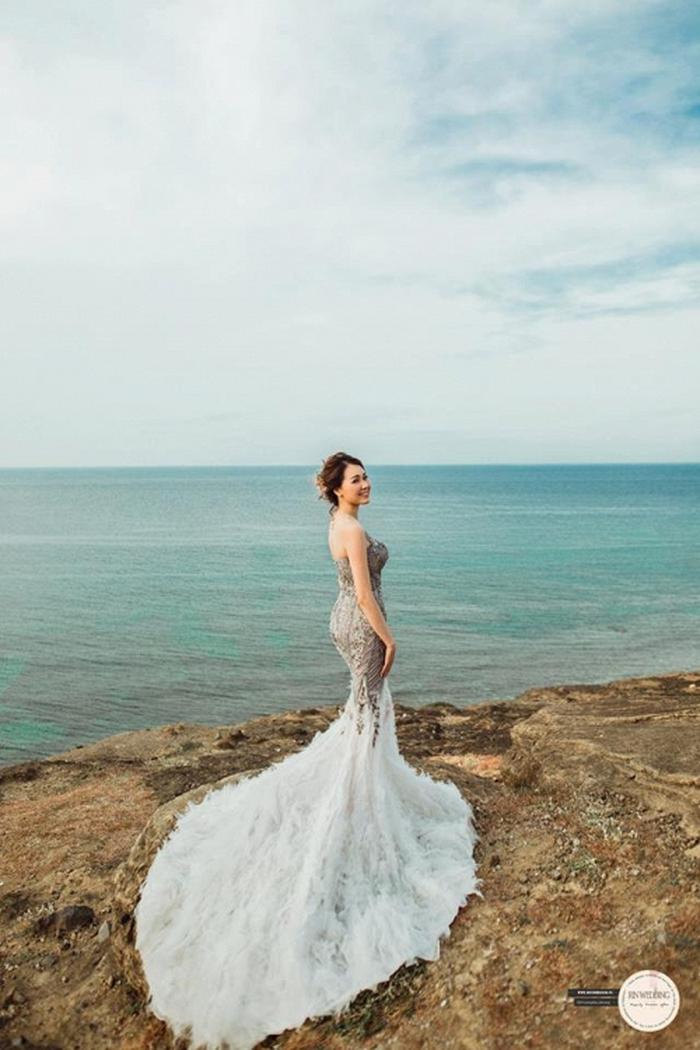 Huy Nam ngọt ngào hôn bà xã trong ảnh cưới đẹp như mơ - Ảnh 7.