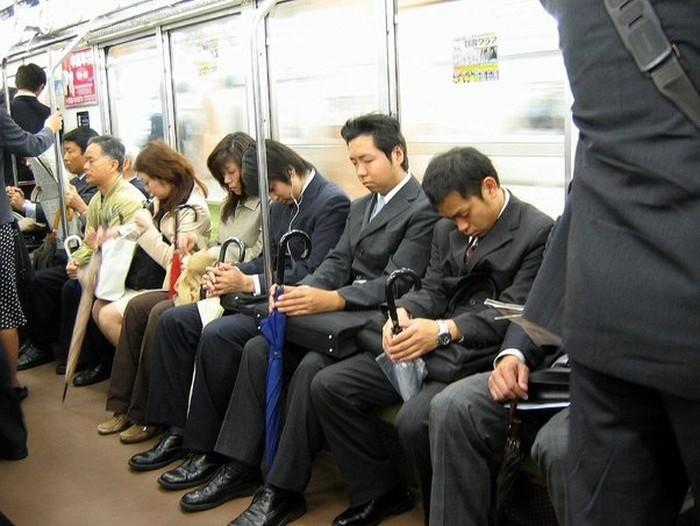 Nếu không muốn bị người khác khó chịu, nhớ kỹ 7 điều không nên làm tại Nhật Bản - Ảnh 2.