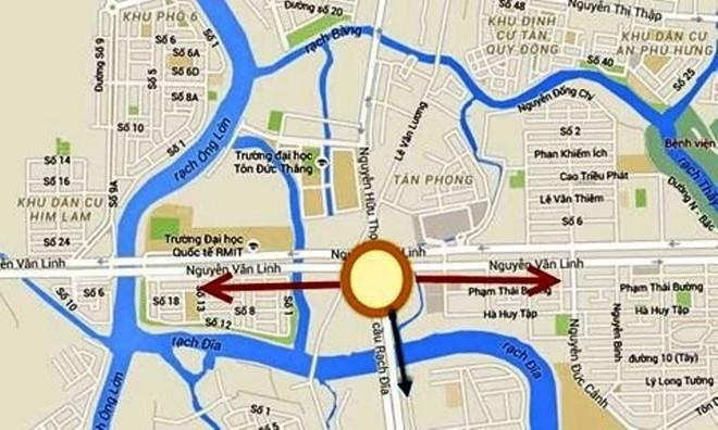 Giao lộ Nguyễn Văn Linh - Nguyễn Hữu Thọ thường xuyên xảy ra ùn tắc do lượng xe đi trên 2 tuyến đường này rất lớn.