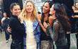 """Cựu """"thiên thần"""" Doutzen bất ngờ xuất hiện tại buổi tổng duyệt Victoria's Secret Fashion Show 2016"""