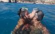 Chàng trai vượt 2.300km đi tìm cô bạn gái quen qua mạng và cái kết...