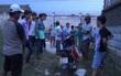 Bình Dương: Nam thanh niên lê lết dắt xe máy kêu cứu, bên trong bãi cỏ người bạn đã chết