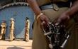 Bé gái Ấn Độ bị thiêu cháy sau khi bị hiếp dâm tập thể
