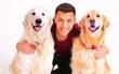 Vì sao hai chú chó đáng yêu nhà Alexis Sanchez lại có tên là Atom và Humber?