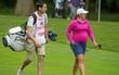 Bà bầu 7 tháng gây sốt ở giải golf Anh