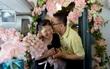 Cặp vợ chồng người nước ngoài kỷ niệm 30 năm ngày cưới trên máy bay VNA vào ngày 14/2