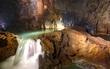 Quảng Bình: Bão số 4 đổ bộ, 8 du khách vẫn còn đang ở trong hang Tú Làn