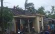 Hà Tĩnh: Lốc xoáy cuốn bay 65 mái nhà, 2 người dân bị thương do ngói rơi trúng
