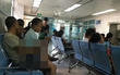 Cảnh sát bắt giữ gã đàn ông đồi bại ngang nhiên sờ soạng cô cháu gái vị thành niên giữa phòng chờ bệnh viện