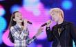 Trước khi debut làm ca sĩ, Chi Pu đã từng khoe giọng hát live khi song ca cùng Erik trên sân khấu lớn