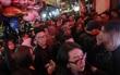 Fan Hà Nội xếp hàng đông nghẹt từ sớm chờ xem Sơn Tùng M-TP biểu diễn