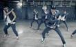 """Fan bức xúc khi nhạc phim Ấn Độ đạo nhái 2 hit """"bự"""" của EXO"""