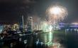 """Trời Đà Nẵng đổ mưa, đội Trung Quốc - Anh vẫn """"đối pháo"""" rực sáng trong đêm thi pháo hoa quốc tế"""