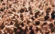 10.000 người đàn ông Nhật khỏa thân tranh giành gậy cầu phúc trong lễ hội truyền thống