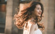 Ngược nắng Paris, nữ du học sinh ngành Dược khoe nét đẹp hoa hậu gây thương nhớ