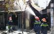 TP. HCM: Thợ hàn bất cẩn, 3 cửa hàng cháy ngùn ngụt giữa trưa