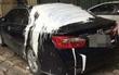 Hà Nội: Nghi do mâu thuẫn cá nhân, ô tô Camry đỗ trên vỉa hè bị tạt đầy sơn trắng trên nóc