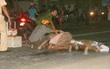 Người thân khóc ngất bên thi thể không nguyên vẹn của người phụ nữ chết thảm dưới bánh xe tải