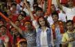 CĐV Việt Nam: Phải chăng khi vui thì vỗ tay vào