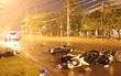 Bình Dương: Ô tô tông liên hoàn 6 xe máy, nhiều người bị thương