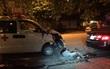 Hà Nội: Xe cứu thương tông nát đuôi xe BMW