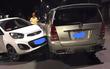 Hà Nội: Ô tô điên phóng ngược chiều trên phố, gây tai nạn liên hoàn