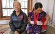 Cầm dao chém đứt gân tay nữ phó trạm y tế vì bị từ chối truyền nước