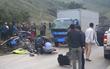 Sơn La: Xe con va chạm với xe tải, 3 người trong một gia đình thiệt mạng