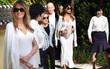 Bà Melania Trump thanh lịch trong bộ đồ trắng, đưa đệ nhất phu nhân Nhật Bản đi thăm vườn