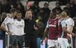 Man Utd bị tố được trọng tài giúp sức