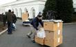Hàng trăm nhân viên chỉ có 5 tiếng để chuyển đồ cho ông Donald Trump vào Nhà Trắng