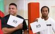 """Ronaldinho bái phục """"Người ngoài hành tinh"""" Ronaldo về khoản tiệc tùng"""