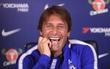 HLV Conte cười lớn trước lời tố cáo của Costa