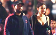 Selena Gomez khoe vòng 1 nóng bỏng, tình tứ bên The Weeknd không rời giữa công viên