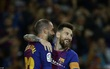Messi ghi 4 bàn, Barca độc chiếm ngôi đầu La Liga