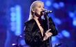 Tiết mục AMA 2017 khiến mọi khán giả nổi da gà: Christina cất giọng ca đầy cảm xúc tưởng nhớ Whitney Houston