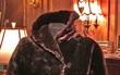 Người đàn ông chịu chơi chi 3,7 tỷ đồng mua áo choàng trăm tuổi trên tàu Titanic