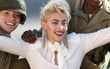 Con gái Michael Jackson đã 18 tuổi và xinh đẹp, quyến rũ y hệt Madonna thời trẻ